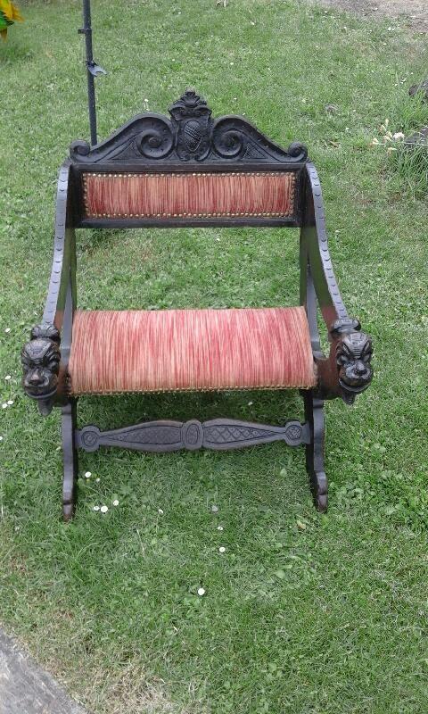 fauteuil bas en bois style Dagobert 120 Issoudun (36)