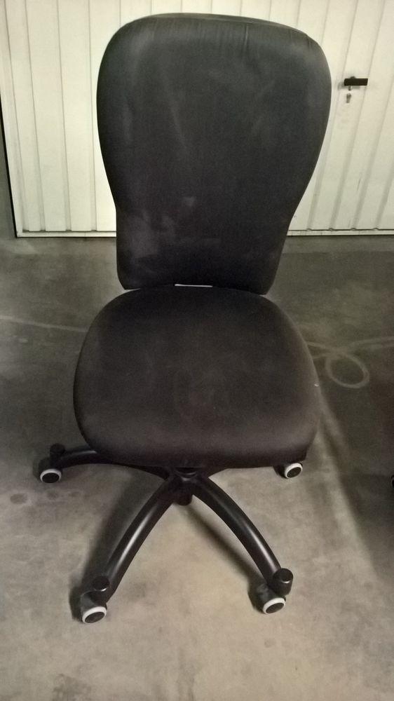 Fauteuil bureau noir en tissu ''ikea'' 12 Vernaison (69)