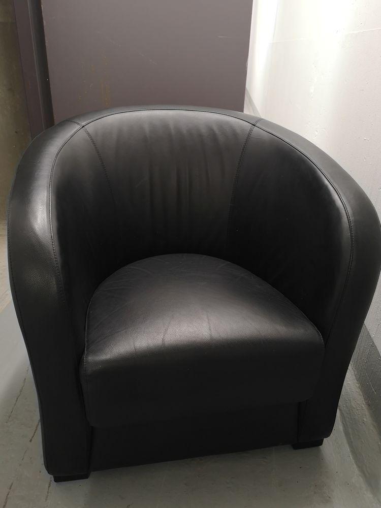 Fauteuil Cabriolet Cuir/PVC Noir Marque But 40€ 40 Gennevilliers (92)