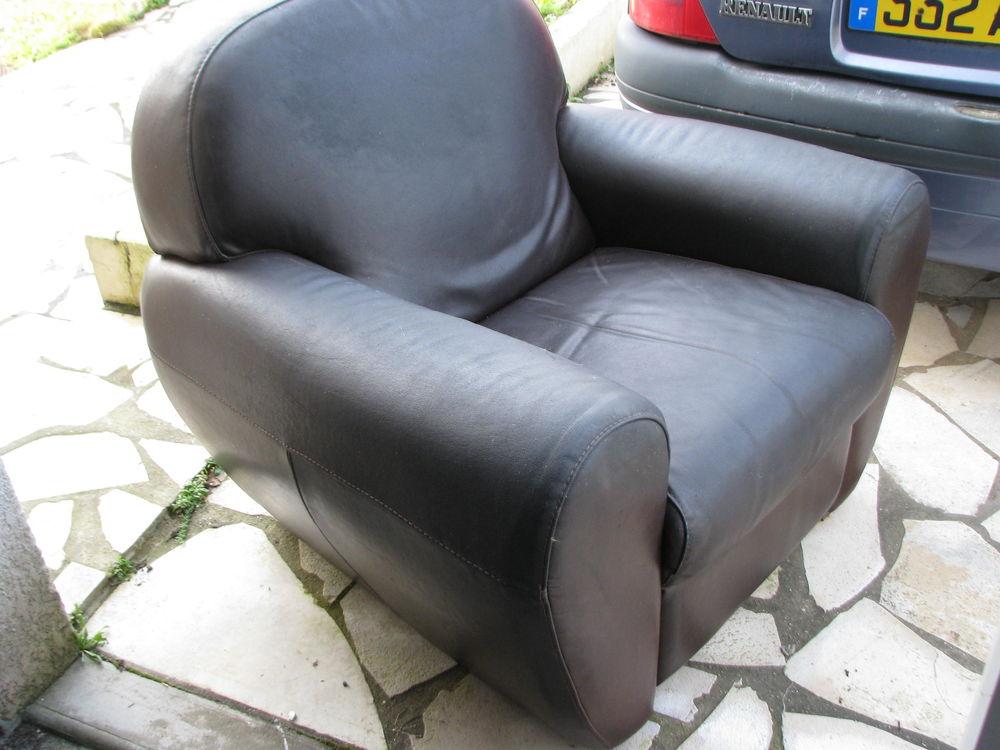 fauteuil club cuir véritable 160 Lanester (56)