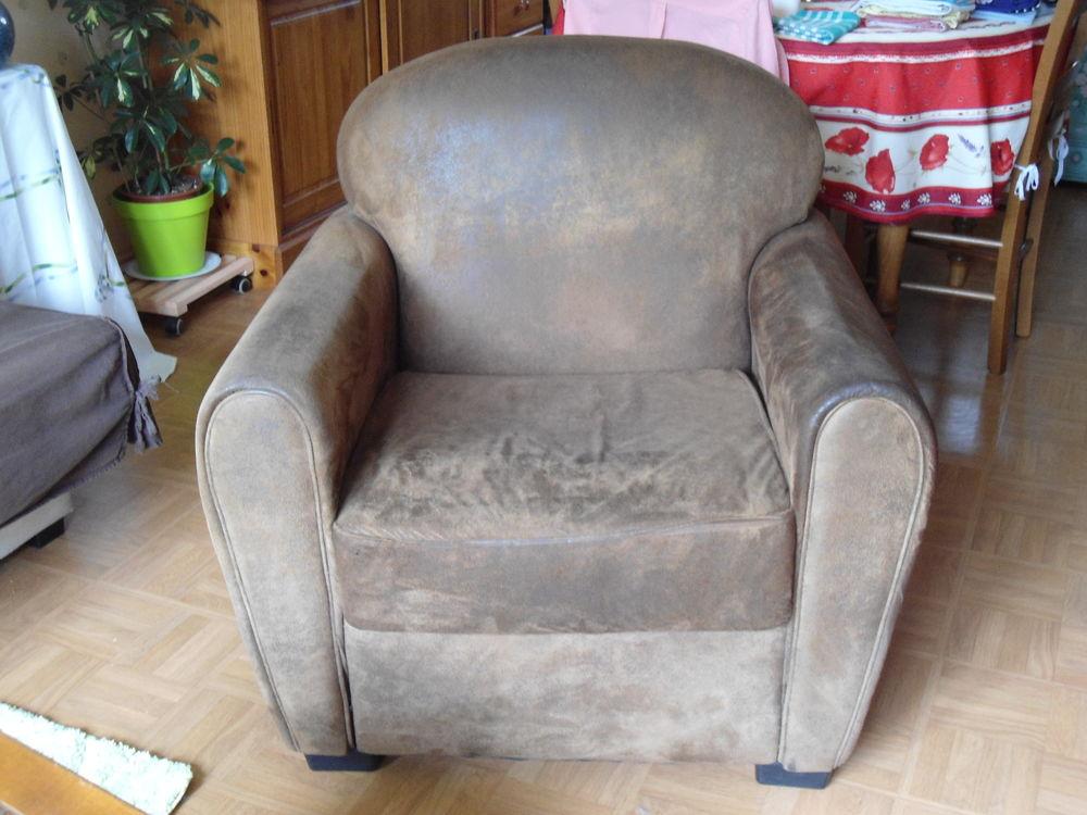 Achetez fauteuil club en occasion annonce vente montreuil l 39 argill 2 - Fauteuil club microfibre ...
