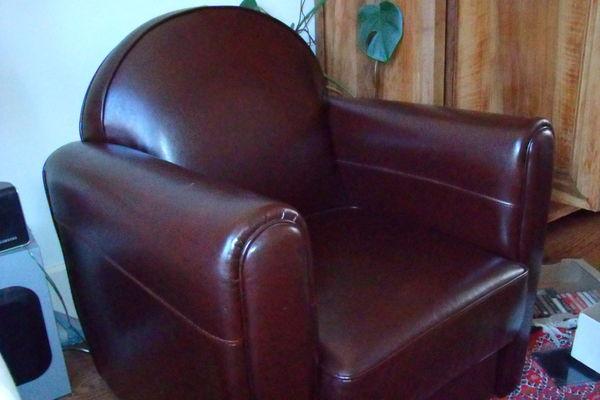 achetez fauteuil club 100 occasion annonce vente saint. Black Bedroom Furniture Sets. Home Design Ideas