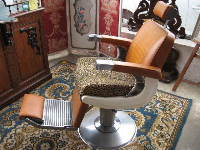 Achetez fauteuil de coiffeur unique collector annonce vente toulouse 31 - Fauteuil barbier occasion ...