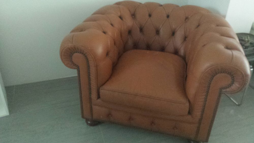 fauteuil cuir Chesterfield 150 Grasse (06)