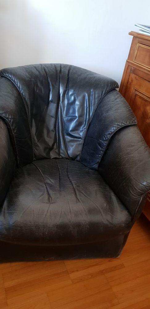 fauteuils cuir occasion en bretagne annonces achat et vente de fauteuils cuir paruvendu. Black Bedroom Furniture Sets. Home Design Ideas