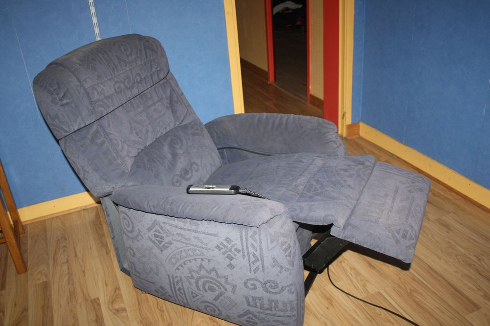 Achetez fauteuil electrique occasion annonce vente criquetot l 39 esneval - Fauteuil inclinable electrique ...