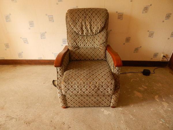 fauteuil élévateur electrique 250 Le Ménil (88)