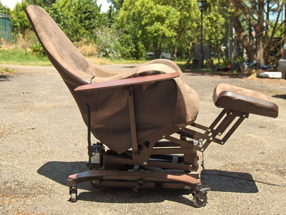 fauteuil médical électrique 150 Condom (32)