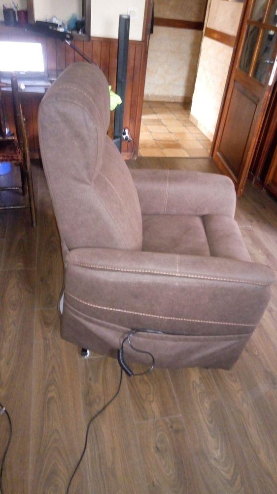 fauteuil médicalisé 250 Saint-Alban-de-Roche (38)