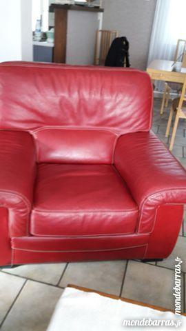 Fauteuil 1 place en cuir rouge 150 Pont-sur-Sambre (59)
