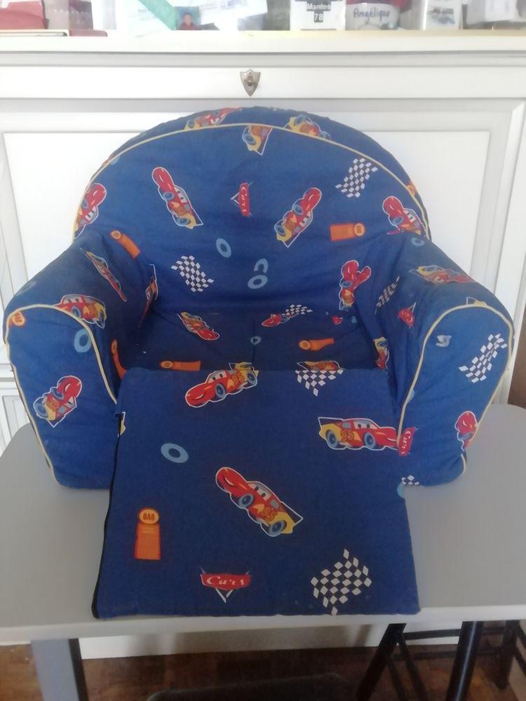 fauteuil pour enfant CARS... 10 Limay (78)