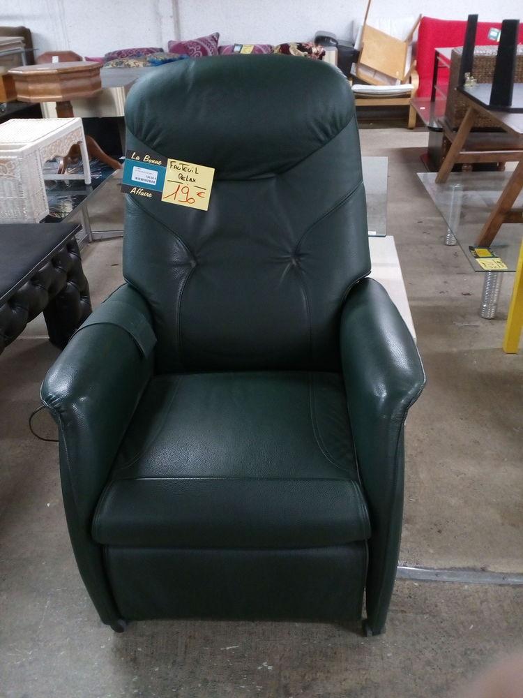 fauteuils relax occasion annonces achat et vente de fauteuils relax paruvendu mondebarras. Black Bedroom Furniture Sets. Home Design Ideas