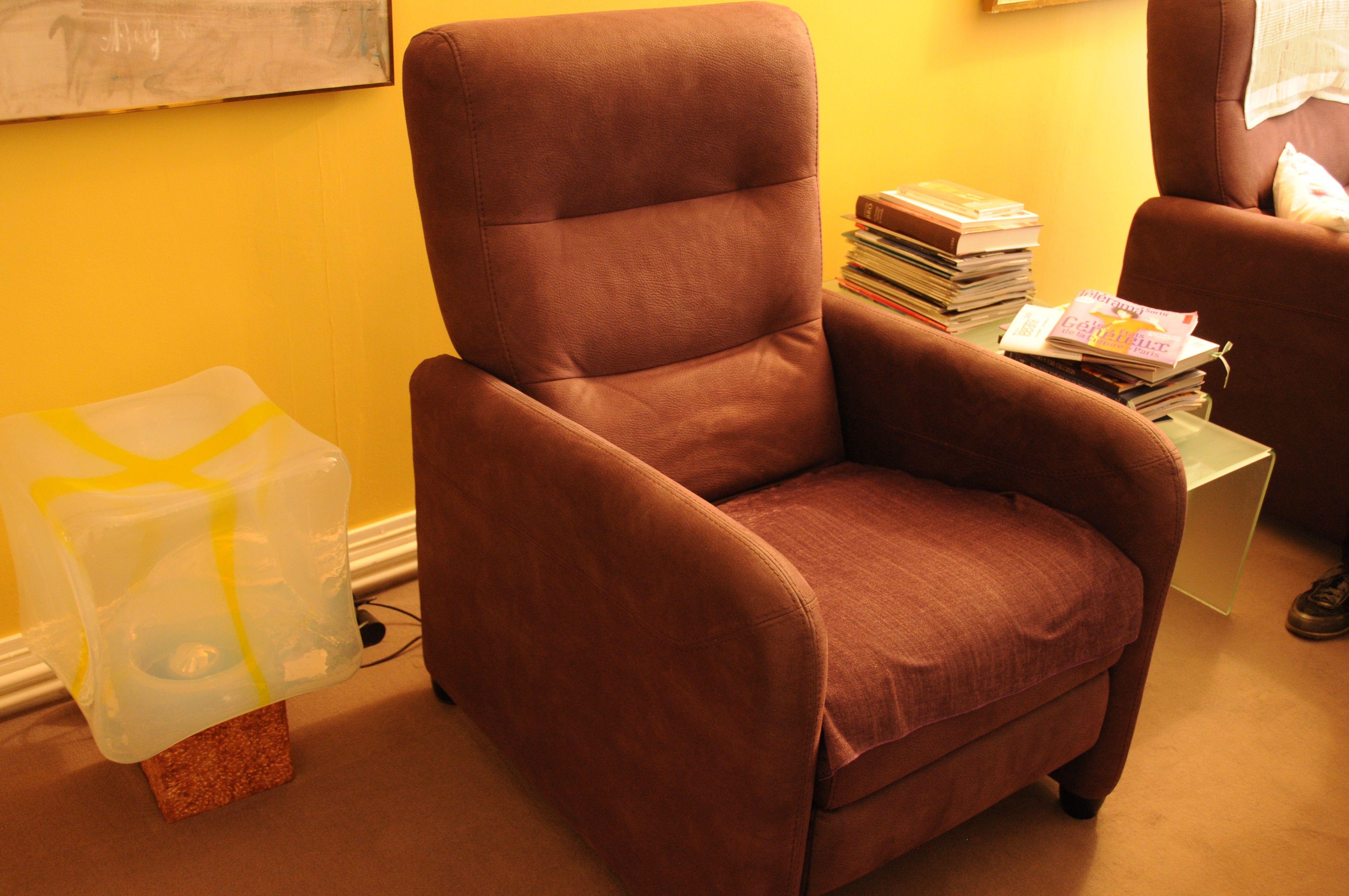 fauteuils inclinables occasion annonces achat et vente de fauteuils inclinables paruvendu. Black Bedroom Furniture Sets. Home Design Ideas