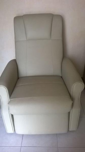 fauteuil relax massant  150 Saint-Nazaire (44)