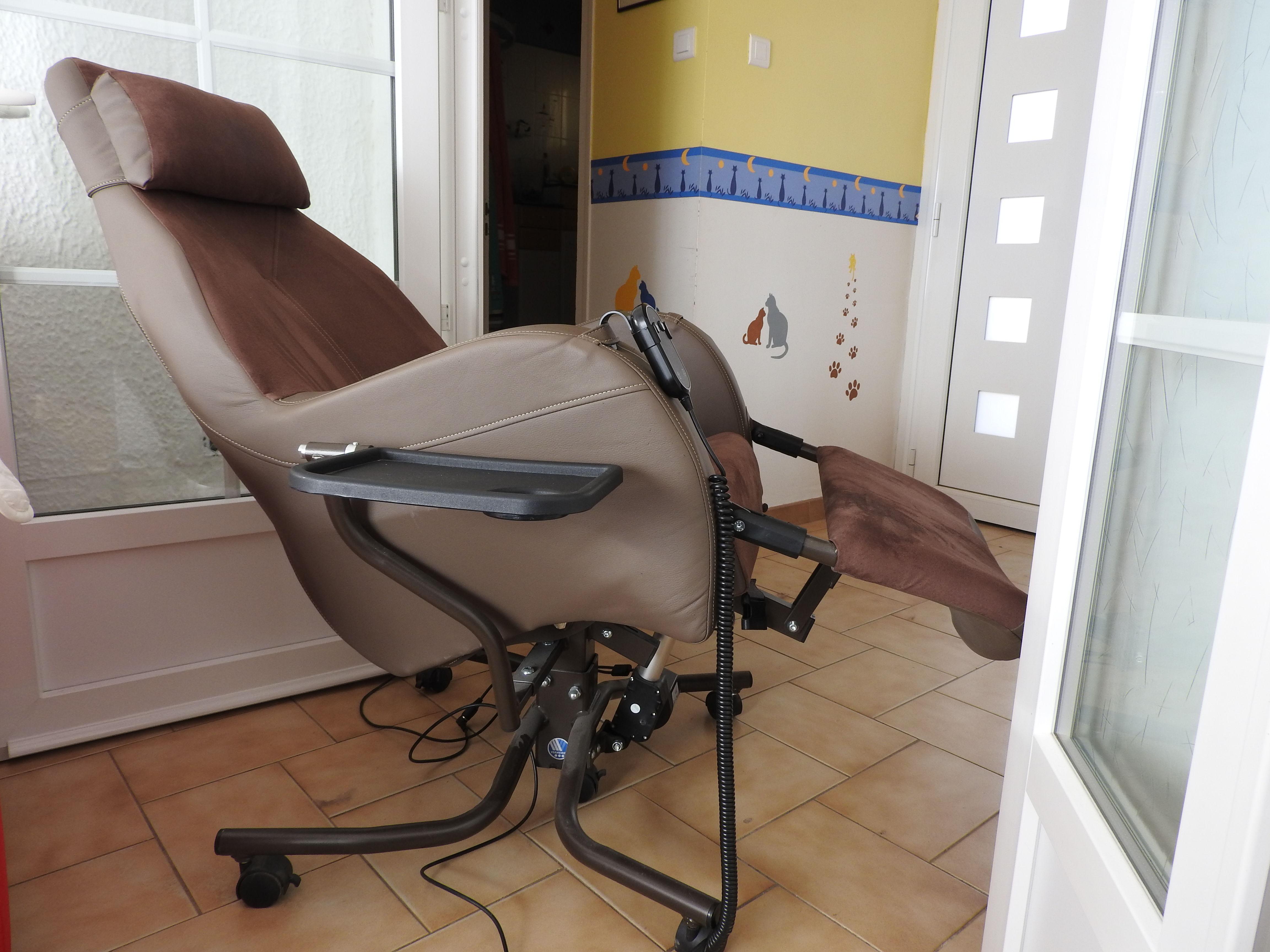 achetez fauteuil de occasion annonce vente la tour d 39 aigues 84 wb154986029. Black Bedroom Furniture Sets. Home Design Ideas
