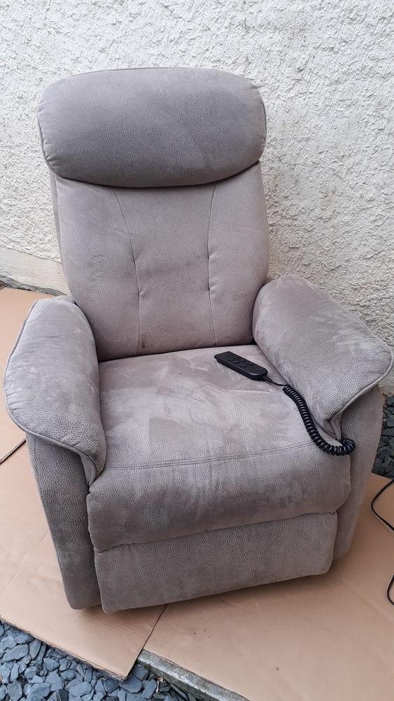 fauteuil relaxation , releveur, électrique 270 La Teste-de-Buch (33)