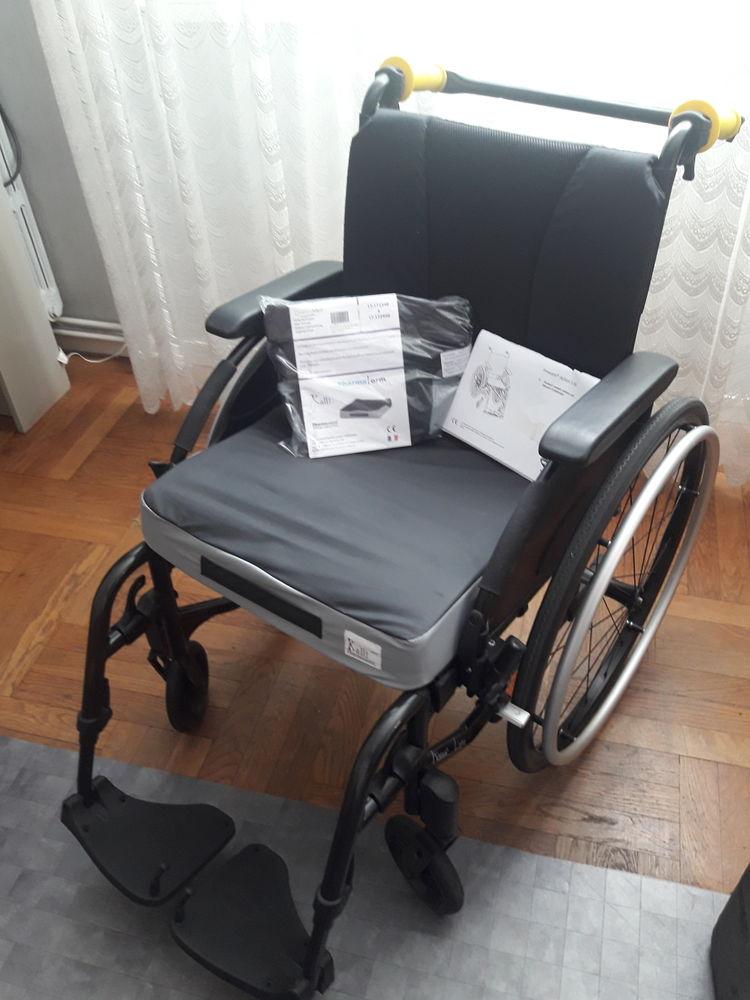 Fauteuil roulant inclinnable pliable 290 Orléans (45)