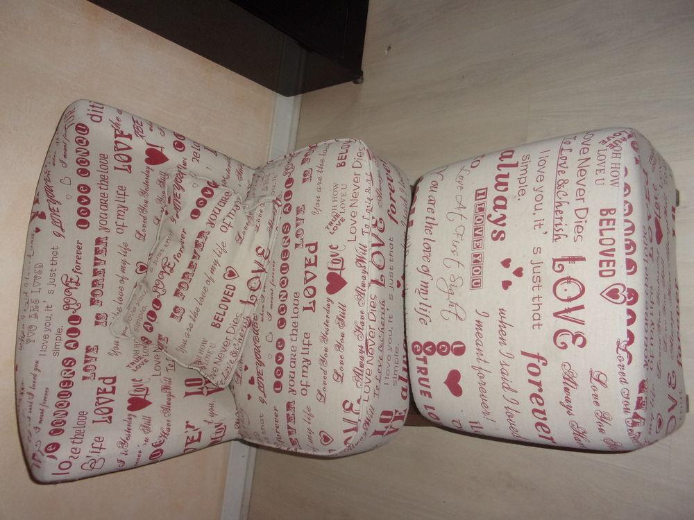 Fauteuil scandinave avec repose pieds et coussins imprimé  I 90 Annonay (07)