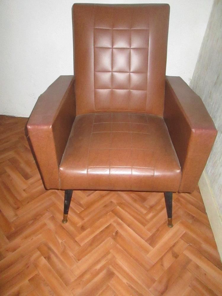 fauteuil simili cuir marron + chevet bois 0 Yssingeaux (43)