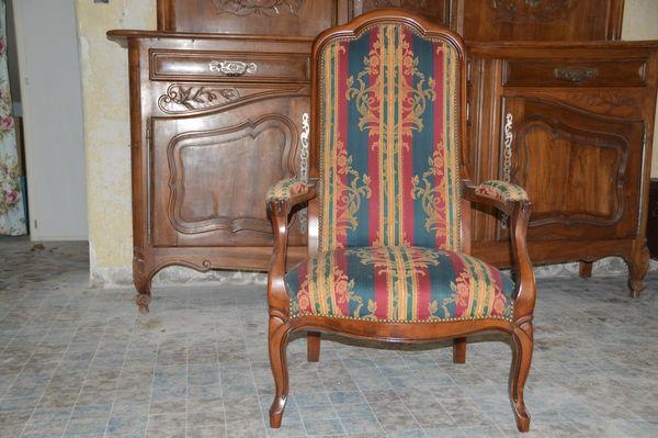 achetez fauteuil voltaire quasi neuf annonce vente buis les baronnies 26 wb148733065. Black Bedroom Furniture Sets. Home Design Ideas
