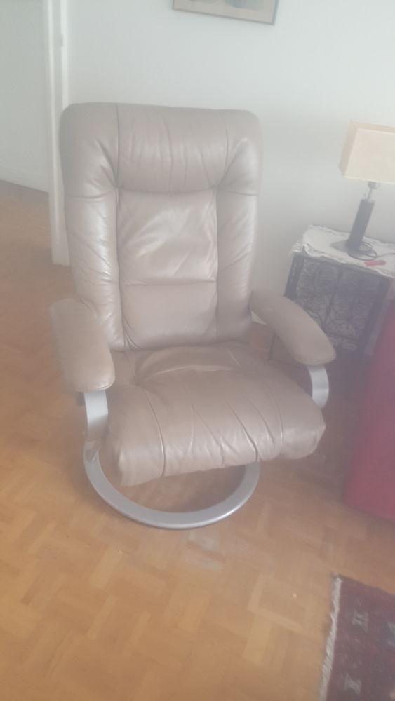 une fauteuil TV  100 Courbevoie (92)