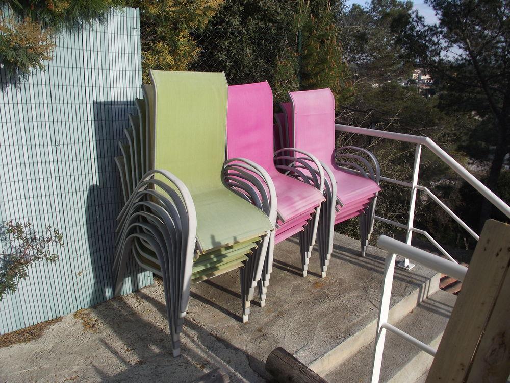 18 fauteuils aluminium et textilène  8 Roquebrune-sur-Argens (83)