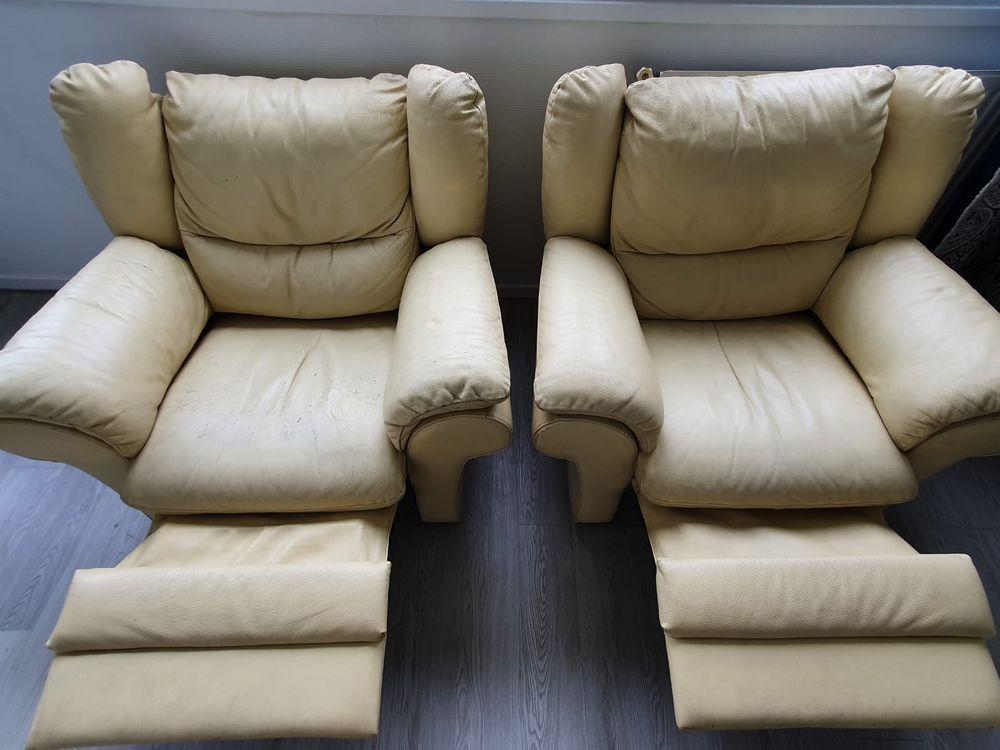 2 fauteuils en cuir avec fonction relax 109 Paris 13 (75)