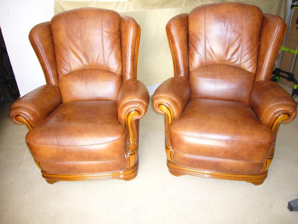 2 fauteuils cuir 250 Drancy (93)