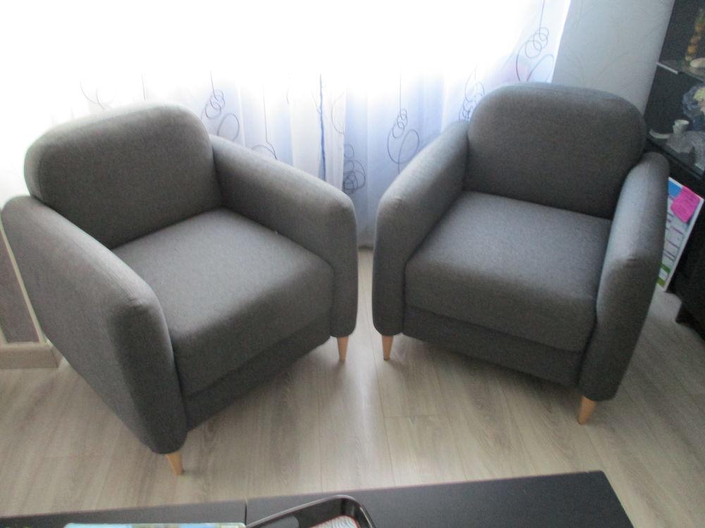 3 fauteuils tissus gris clair  150 Pessac (33)