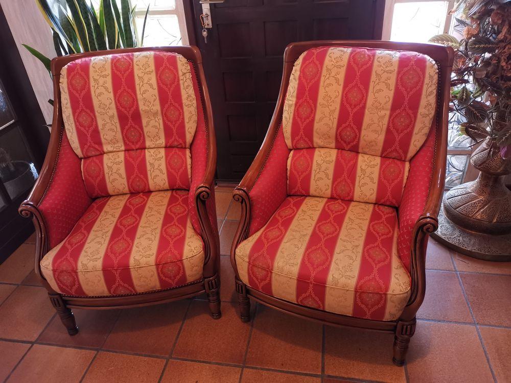 2 Fauteuils tissus rouge et or, structure bois massif 150 Arros-de-Nay (64)