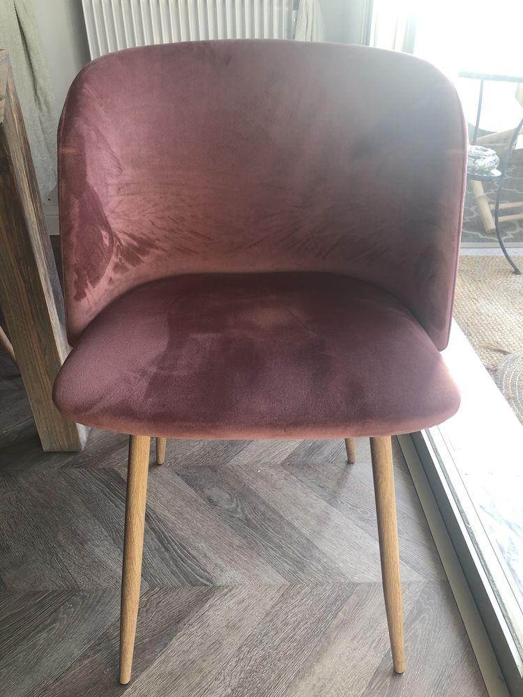 6 fauteuils en velours rose poudré.  150 Cannes (06)