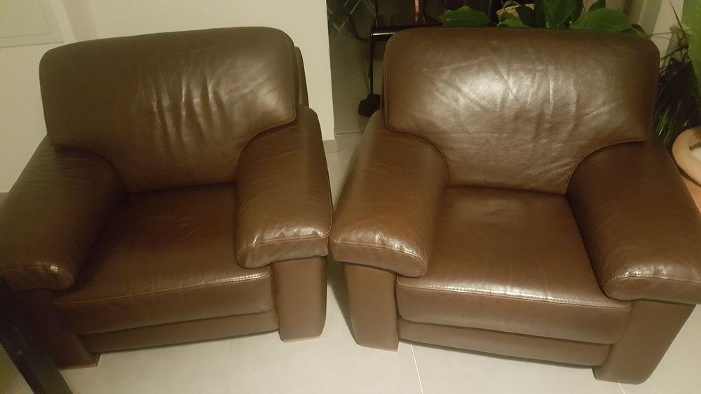 2 fauteuils (vintage) de marque BUROV  Valensole  0 Marseille 12 (13)