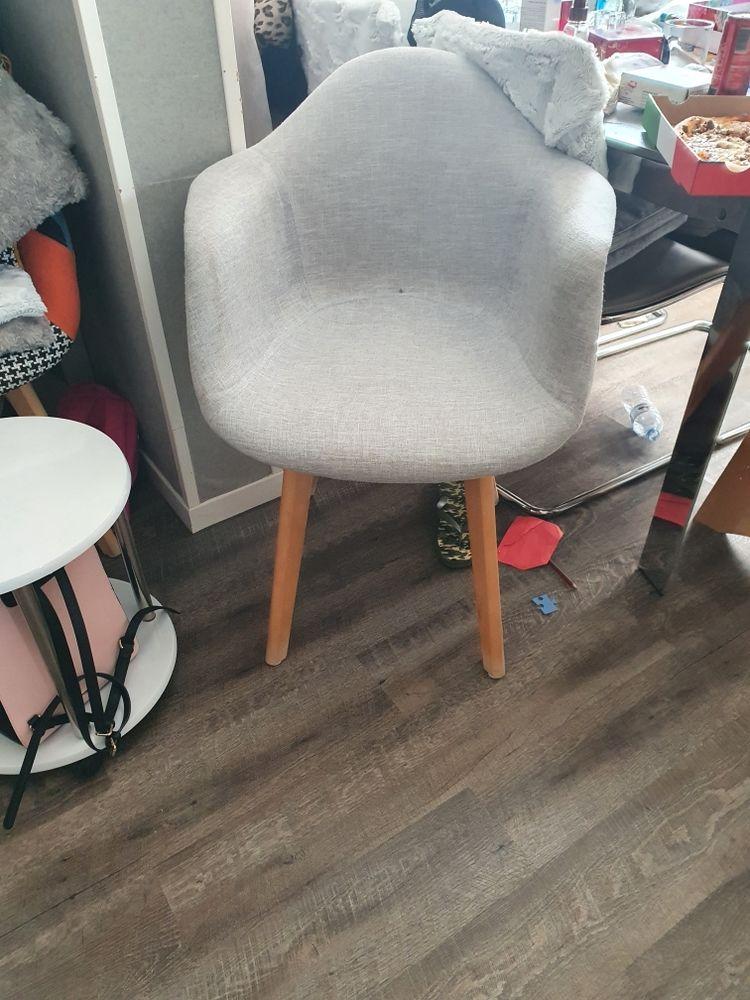 4 fauteuils 250 Bagnolet (93)