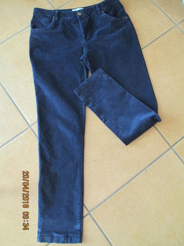 U Femme 42 pantalon bleu marine 12 Limeil-Brévannes (94)
