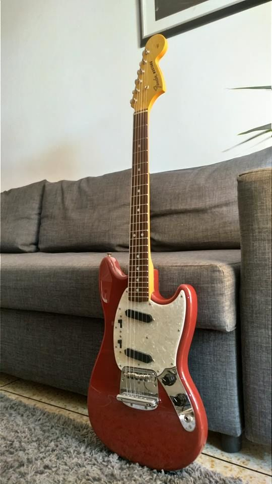 Fender Mustang Classic 65  Crafted In Japan  500 Montpellier (34)