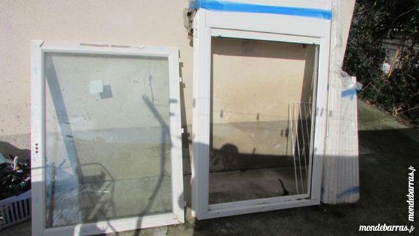fenêtre en PVC DISPONIBLE 2 FENÊTRES. 180 Bessières (31)