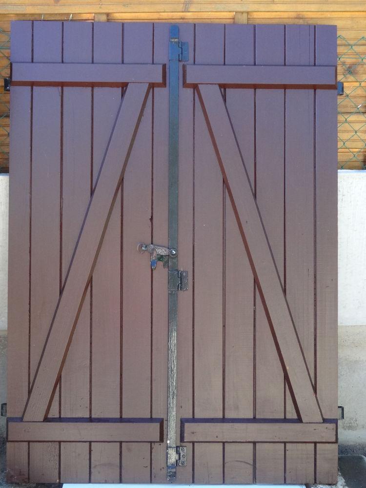 fenêtres et volets porte d'entrée en bois exotique 25 Trignac (44)