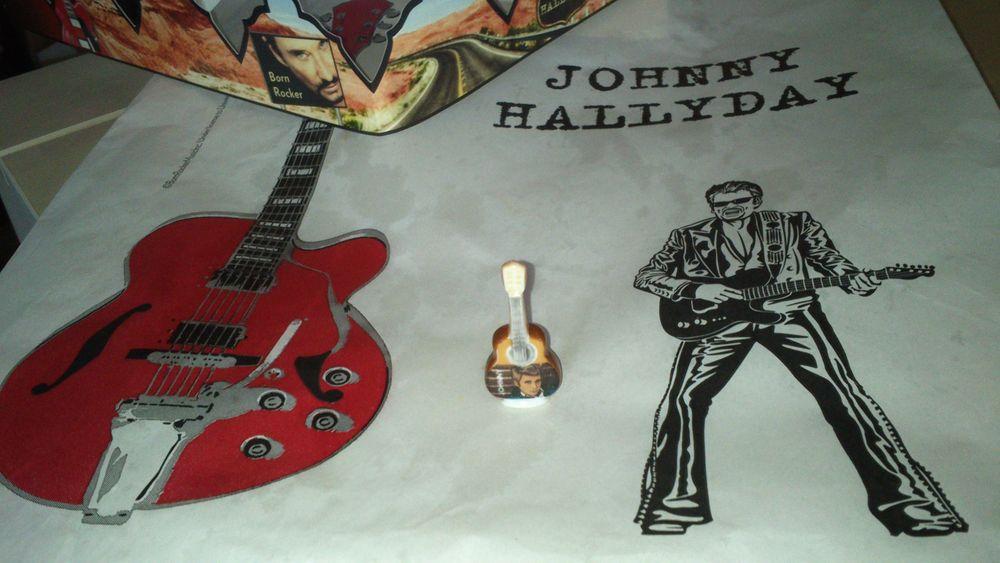 FEVE JOHNNY HALLYDAY avec couronne et sac galette  0 Olivet (45)