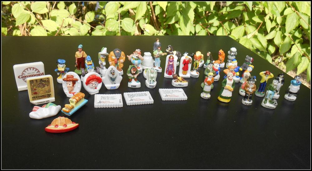 Lot de 87 fèves diverses en céramique 0 Troyes (10)