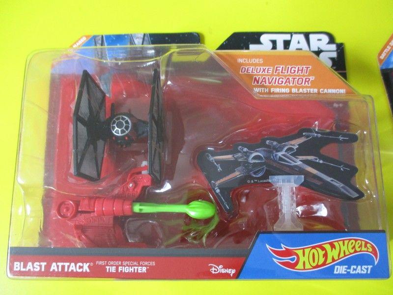 tie fighter dark vador hot wheels disney jouet 10 Lognes (77)