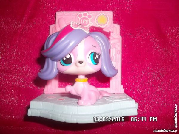 FIGURINE CHIEN ROSE LPS 1 Chambly (60)