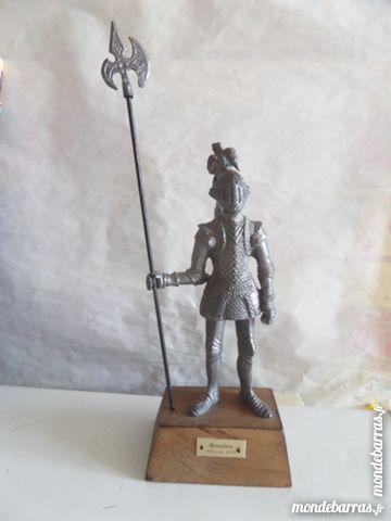 figurine en etain armure du XVI èm siècle 18 Lyon 8 (69)