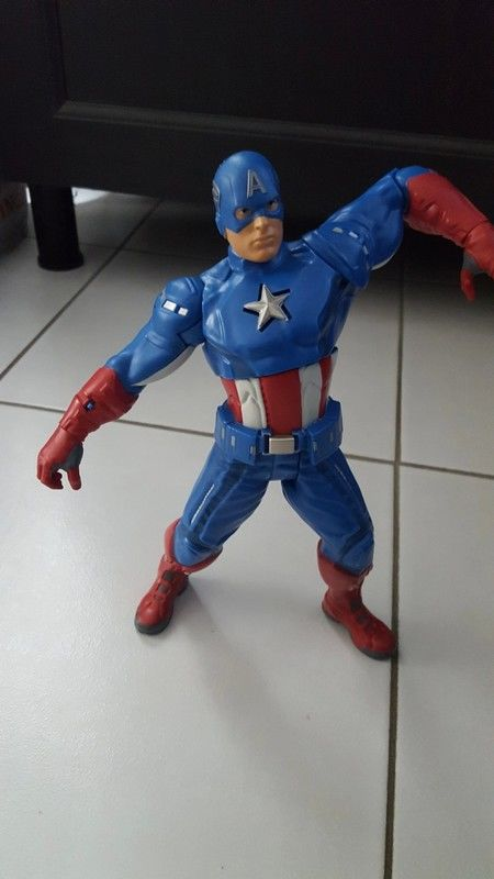 Figurine Marvel Captain America interactive 10 Montévrain (77)