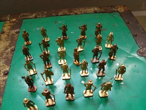 Lot de 29 figurine en métal KINDER COLLECTION ANNEE 1990  89 Anneyron (26)