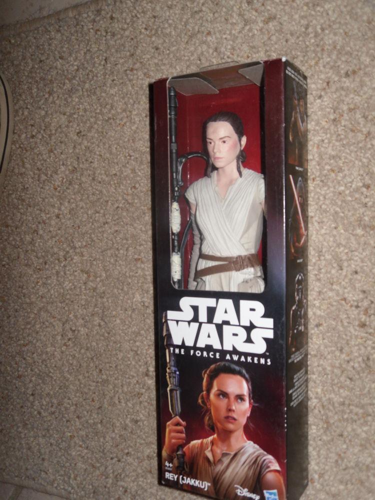 Figurine Star Wars : REY (dernier Jedi) 30 cm NEUF 15 Neuville-de-Poitou (86)