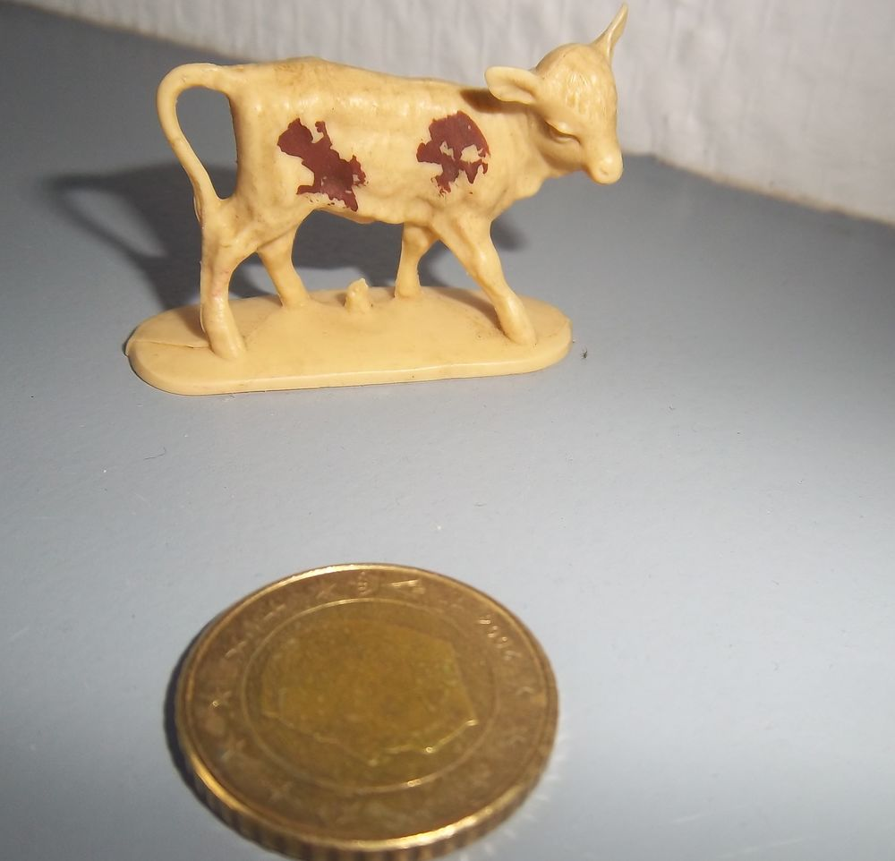Figurine veau West Germany 2 Colombier-Fontaine (25)