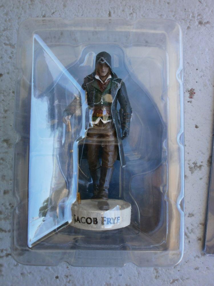 figurines Assassin's screed collector prix 8€ 8 Saint-Agnant (17)