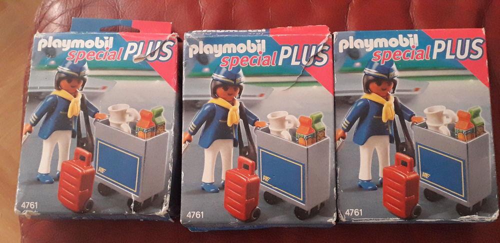 03 figurines Playmobil dans leur boîte 20 Marseille 15 (13)