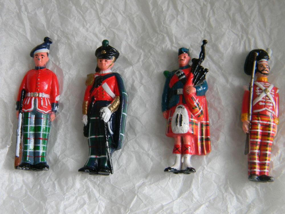 figurines plomb 15 Grosbois-lès-Tichey (21)