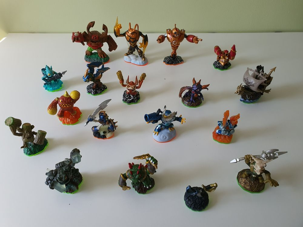 Lot de figurines SKYLANDERS 90 Thiais (94)